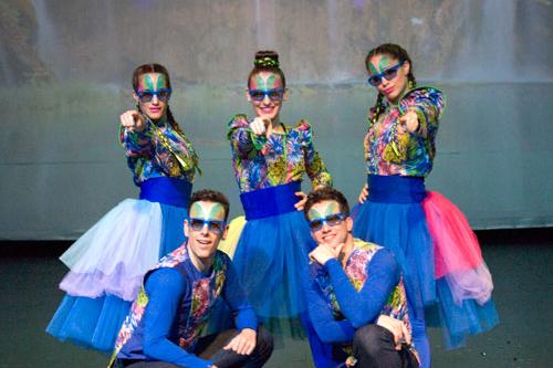 Bailarines teatro Cuidemos el Planeta